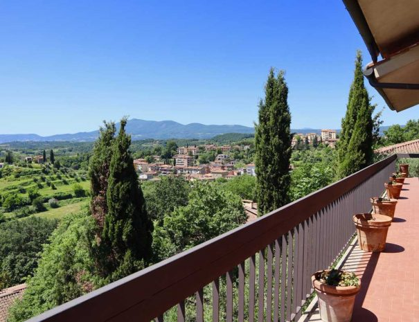 Villa-Donatelli-Balcone-estate-3